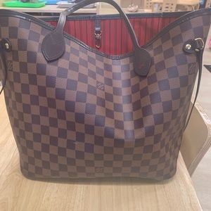 Woman's Neverfull MM